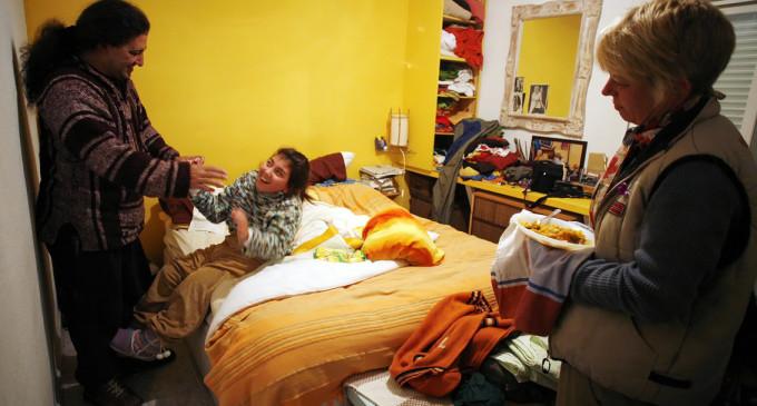 Los dependientes tendrán que esperar hasta dos años para percibir las ayudas