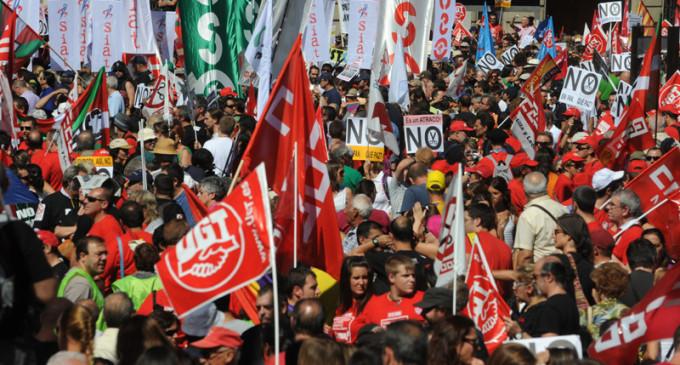 La protesta contra los recortes convierte Madrid en una marea de colores