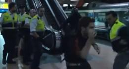 Vídeo: Los vigilantes de seguridad privada de Atocha también 'repartieron' a manifestantes el 25-S