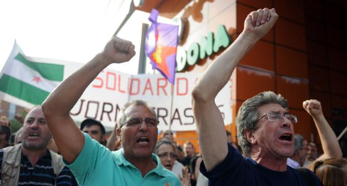 Un centenar de personas pide en Vallecas el boicot a Mercadona