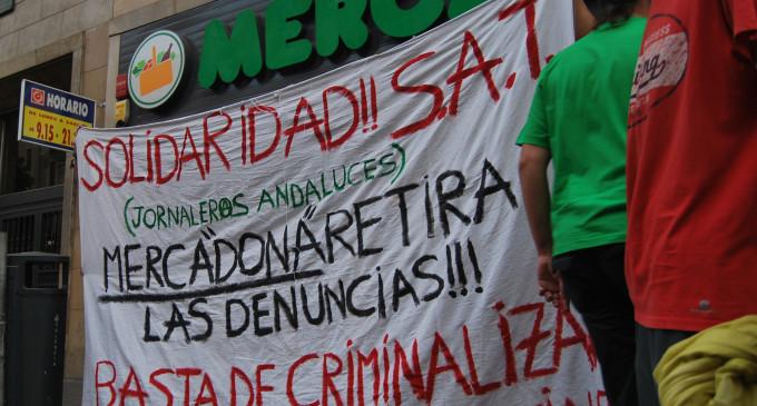 """Las protestas contra Mercadona llegan hasta su """"casa"""" en Valencia"""