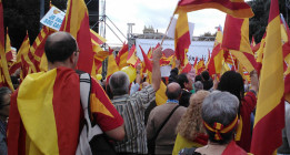 Tranquilidad en la concentración del 12 de octubre de Barcelona