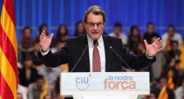 CiU tapa sus escándalos de corrupción con el proyecto independentista