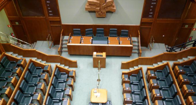 Escaños en blanco aspira a lograr una silla vacía en los parlamentos de Euskadi y Galicia