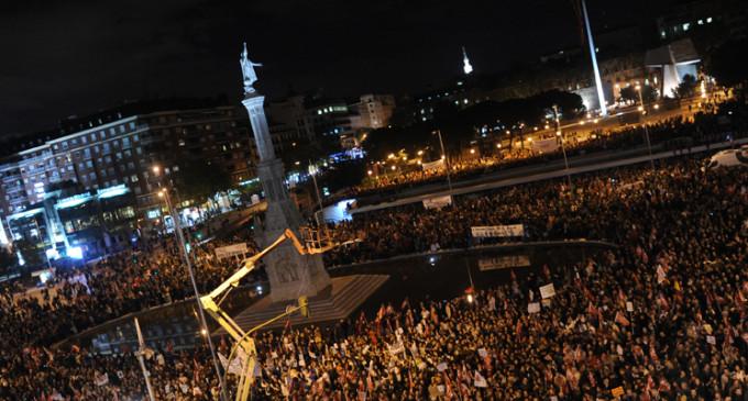 Protestas masivas en las calles en el 14-N