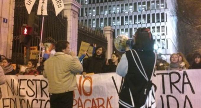 Decenas de miles de personas salen a la calle contra la reforma de Wert