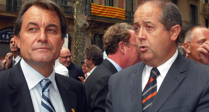 Puig presenta su dimisión pero Mas lo mantiene en el cargo