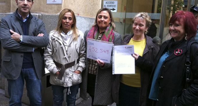 Casi medio millón de firmas contra la privatización sanitaria en Madrid