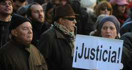 Rajoy defiende su honradez personal pero no habla de otros dirigentes del PP