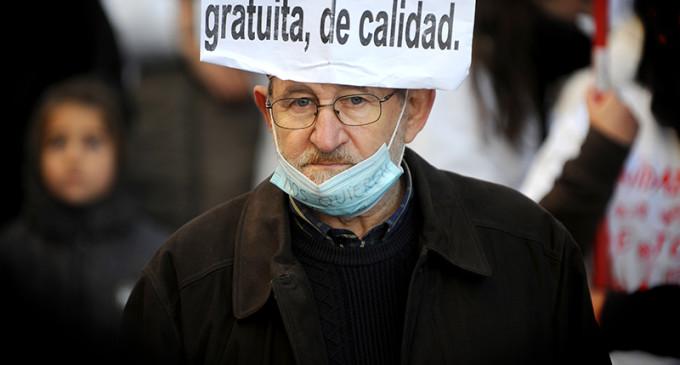 La colecta de los médicos para juzgar la privatización en Madrid se abre a la ciudadanía