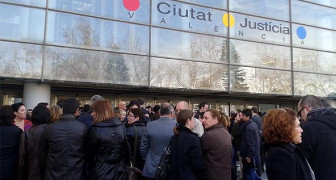 Jueces y fiscales hacen huelga contra las reformas de Gallardón