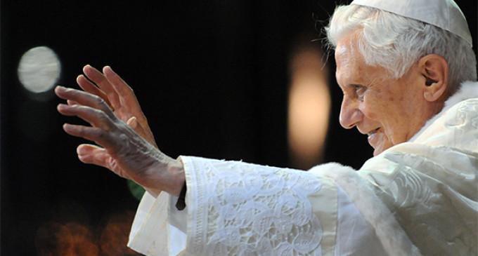 """El papa Benedicto XVI anuncia su dimisión """"por falta de fuerzas"""""""