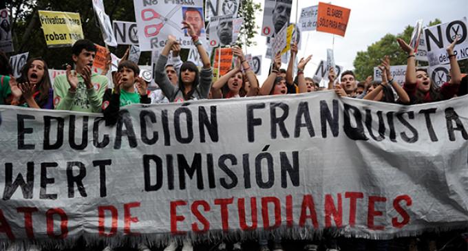 """""""No queremos que Wert nos imponga de nuevo el nacionalcatolicismo en las aulas"""""""