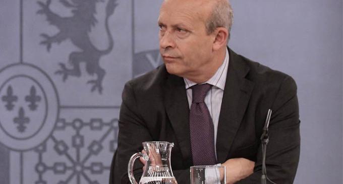 """Wert fulmina las becas para estudiar idiomas en el extranjero a cambio del """"pueblo inglés"""" en España"""