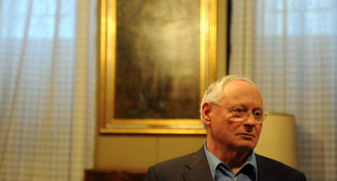 """Oskar Lafontaine: """"Capitalismo y democracia no son conciliables"""""""