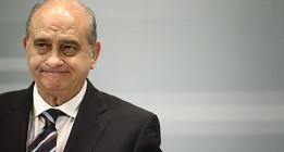 El ministro del Interior prefiere el Vaticano al Senado