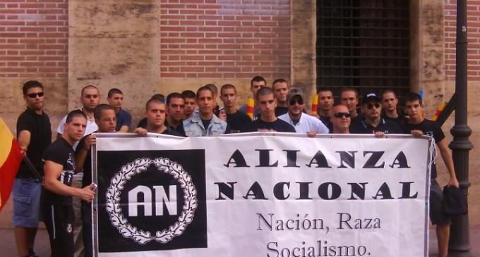 Tres de los acusados de apalear a un sin techo, en las listas de Alianza Nacional