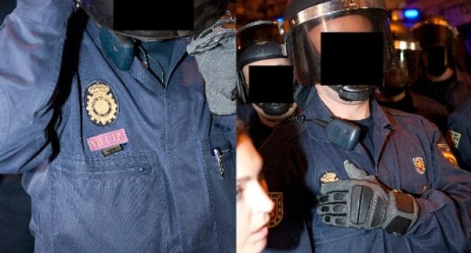 El 15-M presenta una denuncia con 250 fotos de antidisturbios sin identificación