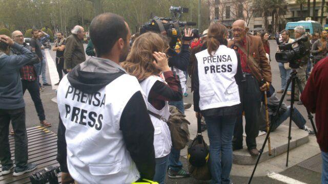 En directo la polic a carga contra los manifestantes de for Puerta del sol en directo ahora