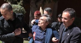 Hambre de Justicia lleva su protesta ante la presidenta de Aragón