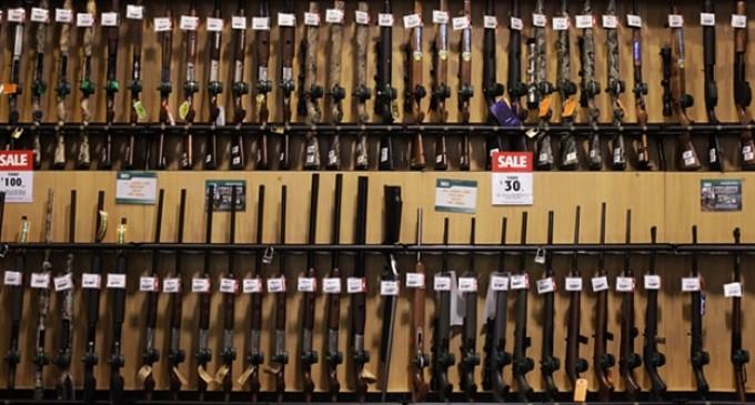 Un pueblo de EEUU obliga a las familias a tener armas en casa