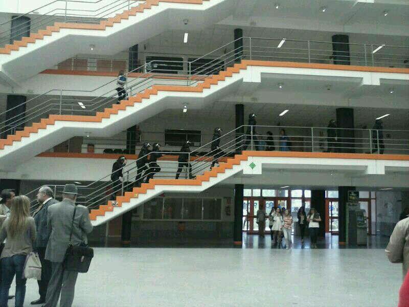 once detenidos en el campus de somosaguas durante un encierro de estudiantes lamareacom