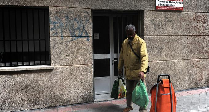 Los comedores sociales públicos de Madrid segregan a los inmigrantes