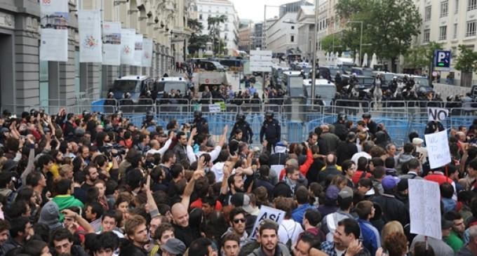 """El """"asedio"""" al Congreso: choques con el 15-M y el debate de la violencia"""