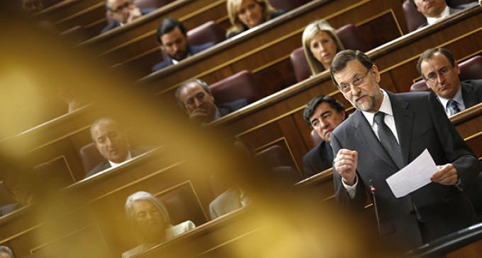 """Rajoy acusa al PSOE de haber """"matado a la economía española"""""""