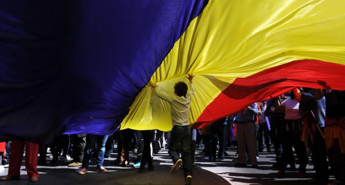 Miles de ciudadanos claman en Madrid por la III República