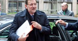 """Rajoy evita polemizar con Aznar y asegura que España ya ha """"superado la crisis financiera"""""""