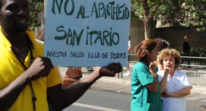 """Una asociación de vecinos de Zaragoza se declara """"insumisa"""" a la ley que castiga la ayuda a inmigrantes"""