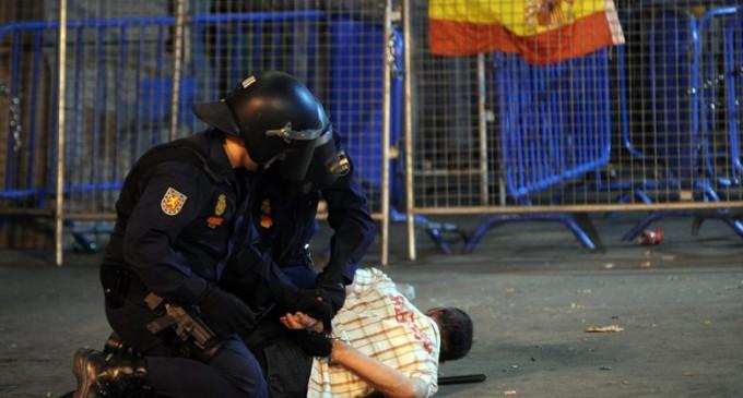La policía no ve ilegales sus interrogatorios con agentes encapuchados