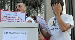 """Científicos del CSIC entregan 235.000 firmas para """"salvar la institución"""""""