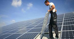 La energía solar produce por primera vez más electricidad que el gas de ciclo combinado