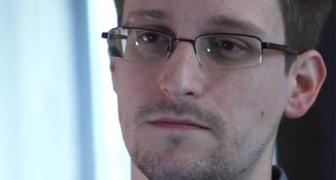 Edward Snowden : bienvenido a Venezuela