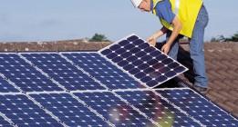 """Las cooperativas de energía verde se rebelan contra el """"atraco de las eléctricas y el Gobierno"""""""