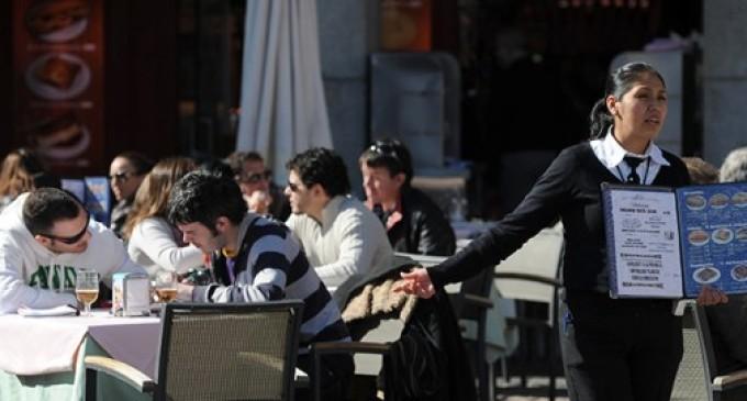 La CEOE pide poder convertir contratos a tiempo completo en parcial