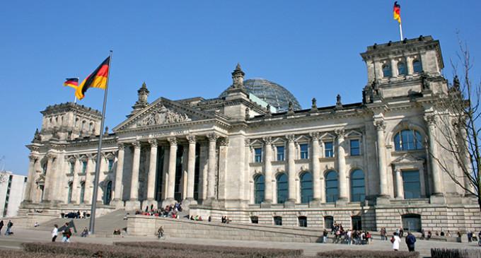 El parlamento alem n intenta evitar el rodillo de una gran for Sede del parlamento