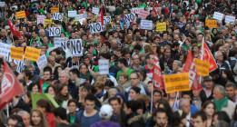 La comunidad educativa recupera su fuerza con marchas multitudinarias