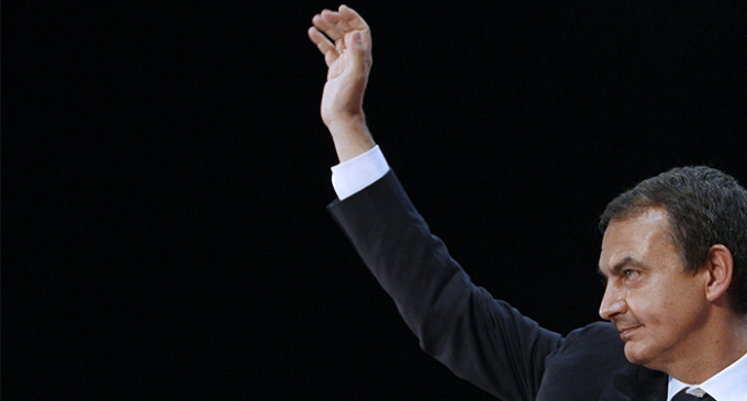 """Zapatero muestra su """"comprensión"""" con los recortes de Rajoy"""