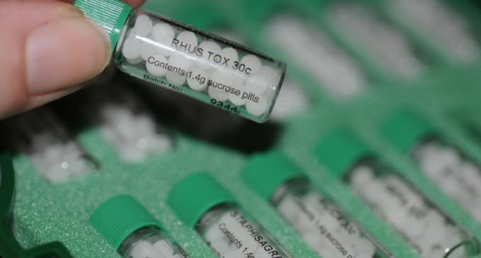 Sanidad abre el proceso para regularizar 19.000 productos homeopáticos