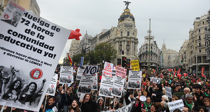 Miles de personas claman en Madrid contra Wert y la ley de Educación