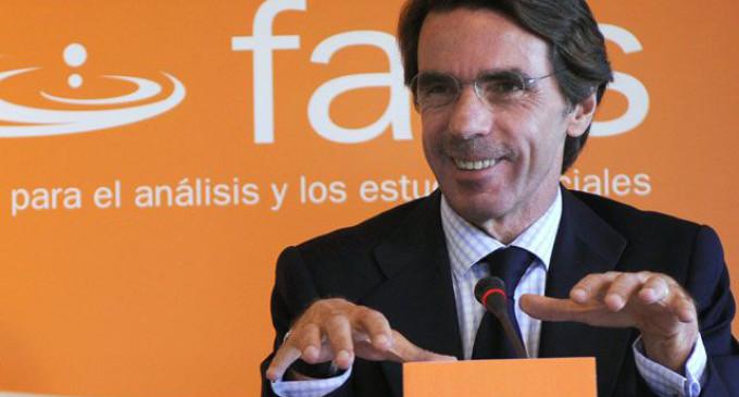 <em>Aznar es un busto</em>