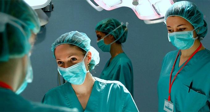 AI denuncia la cirugía invasiva e irreversible en los menores intersexuales I La Marea
