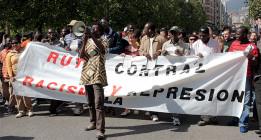 A la caza del senegalés: Crónica de un vuelo de deportación Barajas-Dakar