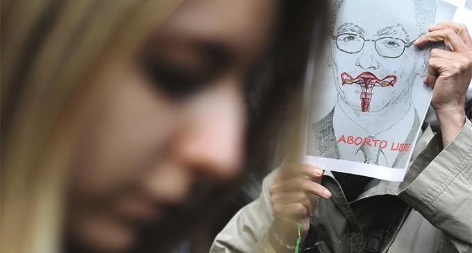 El Gobierno decide hoy si aprueba una ley del aborto marcada por el rechazo social