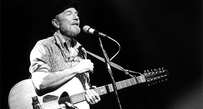 Muere Pete Seeger, el cantautor 'yanki' que no se olvidó de las Brigadas Internacionales