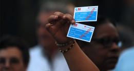 Los parados que estén 90 días fuera de España perderán la tarjeta sanitaria