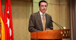 Madrid cede y paraliza la privatización de los hospitales